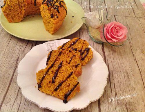 Torta carote, mandorle e granella di nocciole