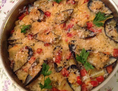 Tiella pugliese di patate, riso, cozze e pomodorini