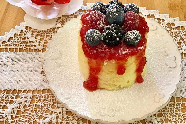 Chiffon cake ai frutti di bosco in vasocottura