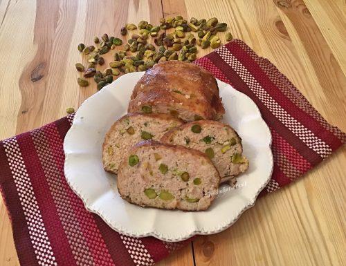 Polpettone delicatissimo di pollo con pistacchi
