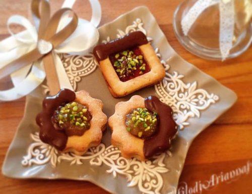 Biscotti sablè marmellata e pistacchi