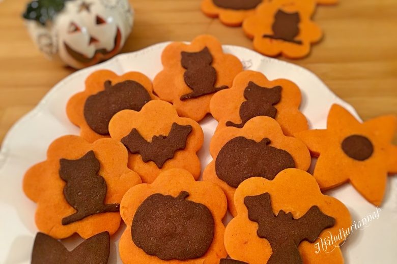 Biscotti alla zucca e cacao per Halloween