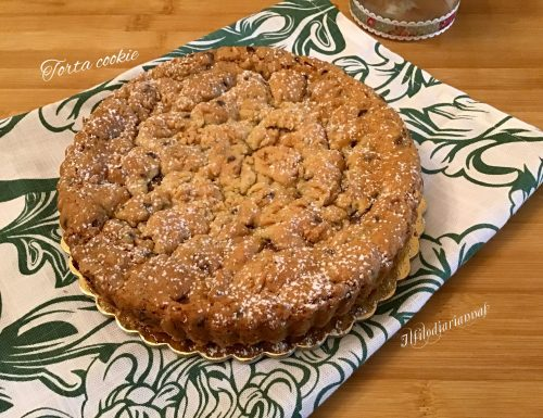 Torta cookie con crema alle nocciole