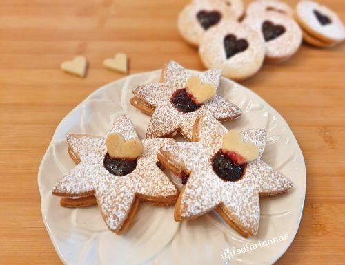 Biscotti sablè con marmellata di ciliege