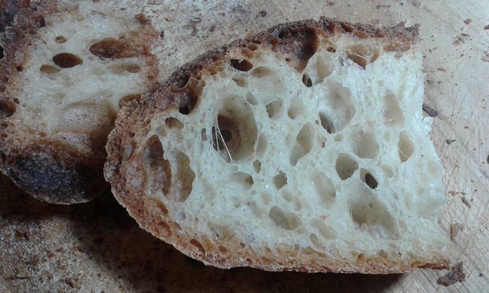 Pane con farine miste e lievito madre