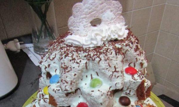 Albero di Natale di Pandoro Artigianale Selex con crema di menta