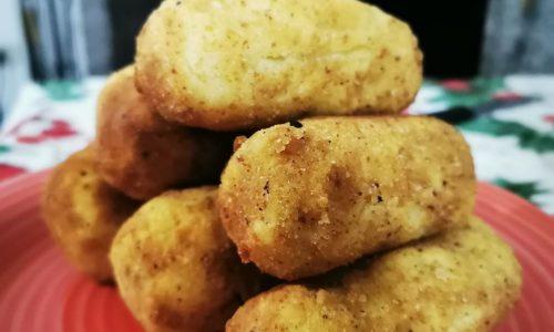 Crocchettoni di patate con provola e salamino dolce