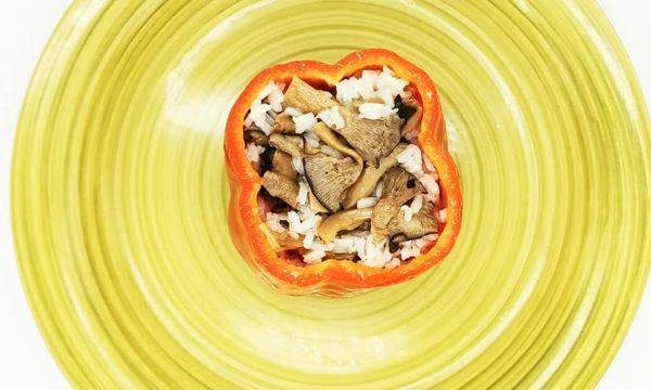 Peperone ripieno di riso ai funghi cardoncelli Terra Piccante