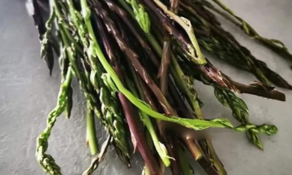 Per la rubrica frutta e verdura di stagione oggi parliamo di asparagi
