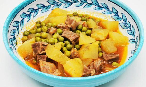 Spezzatino con patate e piselli con olio extravergine Pantanella