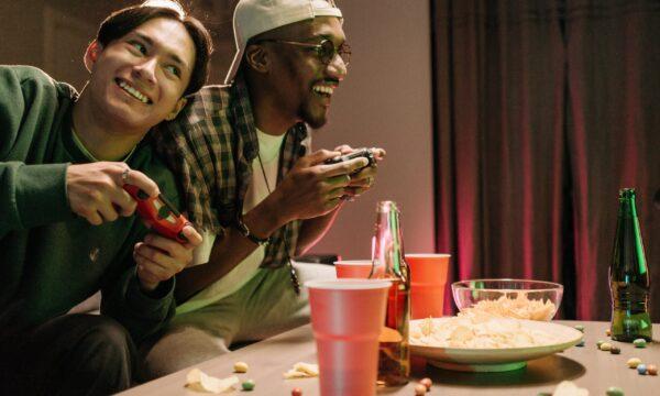 Gamers and food cosa mangiare mentre si gioca e cosa no