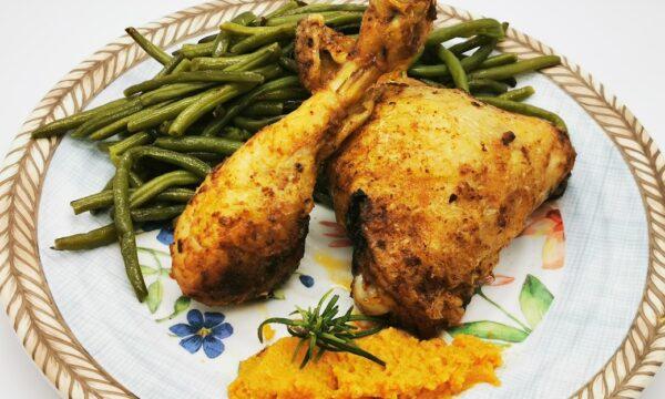 Pollo alla Piratesca con salsa Almogrote marinato nelle spezie
