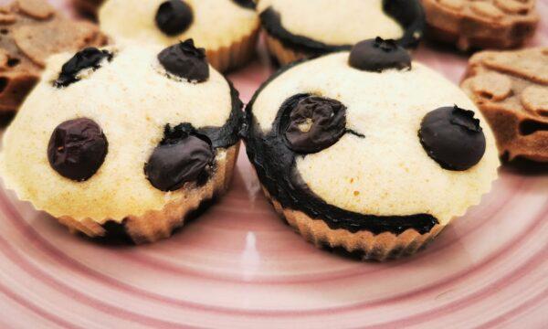 Muffin ai mirtilli leggeri, golosi, la merenda ideale a qualsiasi ora