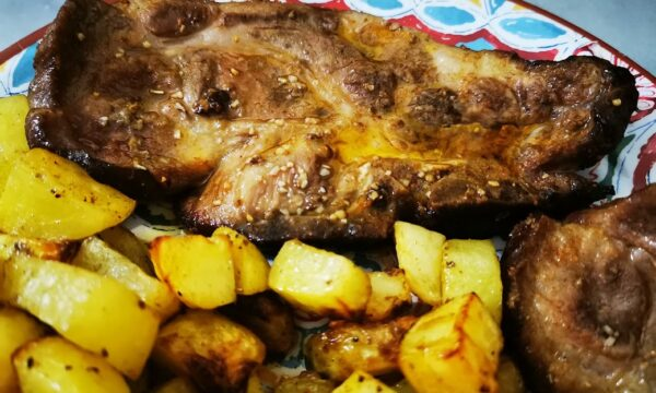 Capocollo marinato con patate cotto in friggitrice ad aria