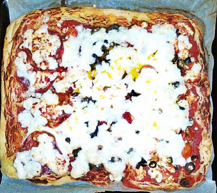 Pizza alta e soffice...tipo Spizzico!
