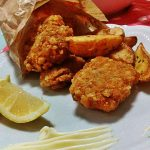 Fish & Chips croccante con salse