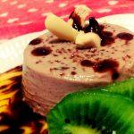 Panna cotta su coulis di frutta e cioccolato