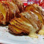 Patata Hasselback con formaggio filante