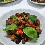 Melanzane a funghetto profumate di basilico