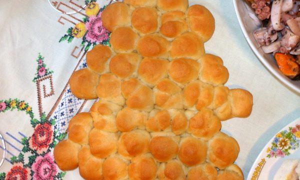 Albero di Natale di pane