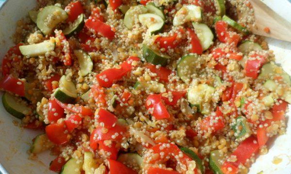 Quinoa con zucchine e peperoni