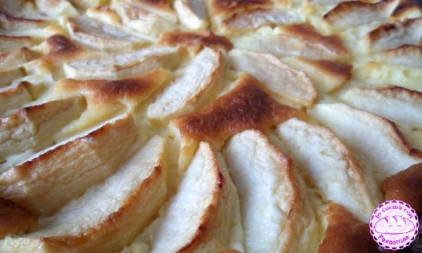Crostata al cacao, mele e crema al mascarpone