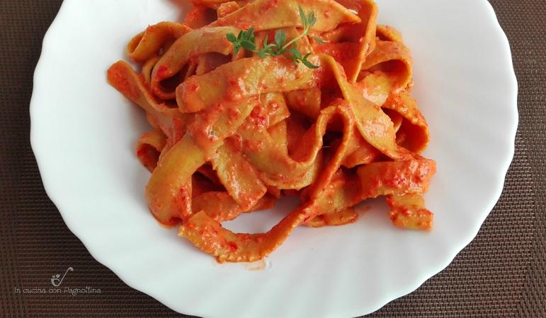 pappardelle con crema di peperoni