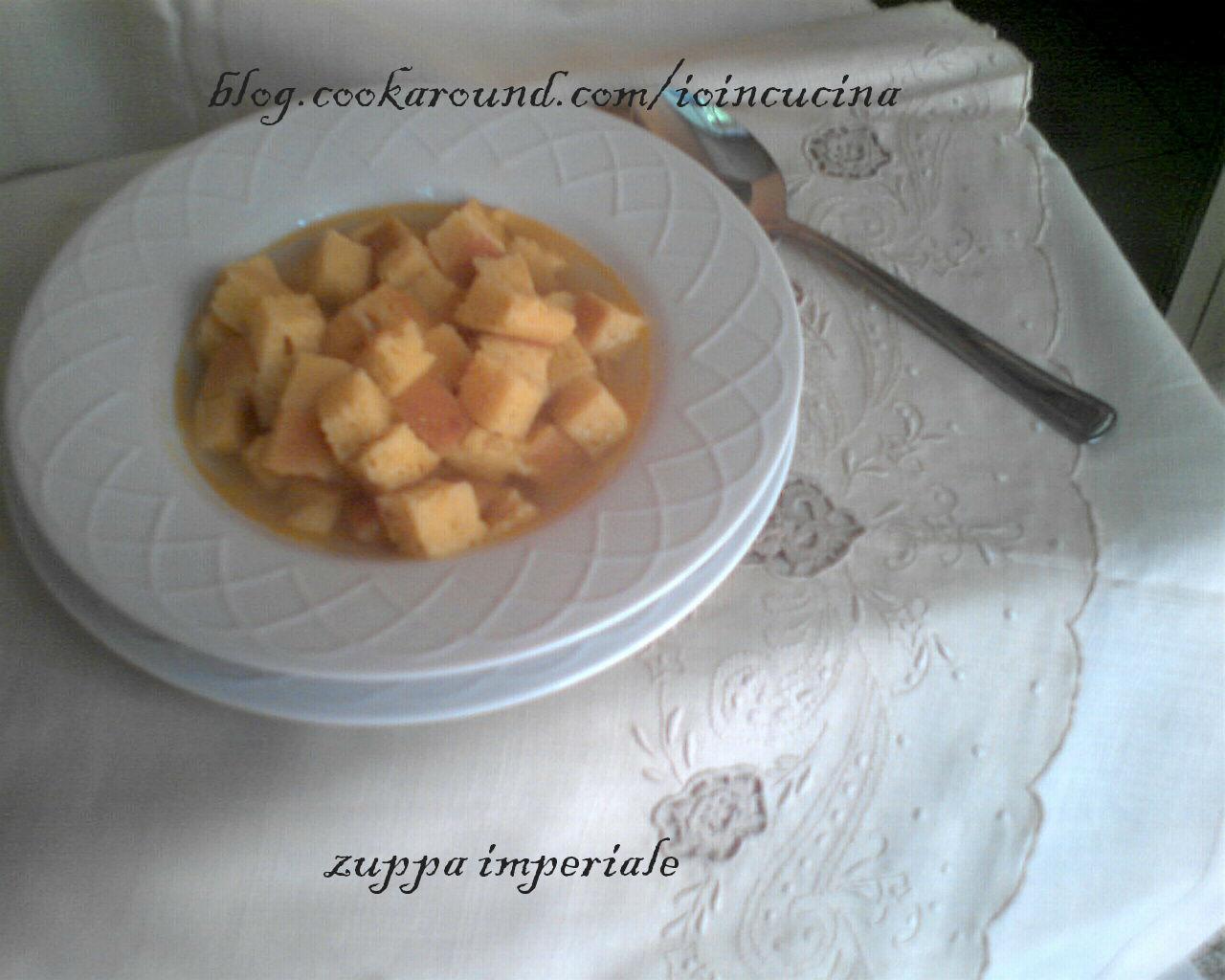 zuppa imperiale o minestra di semolino composta