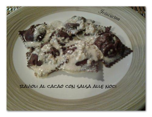 Ravioli al cacao con salsa alle noci