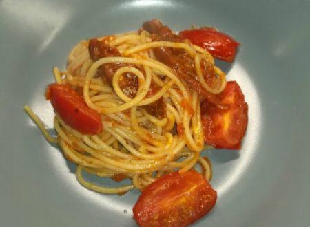 Spaghetti ai quattro pomodori