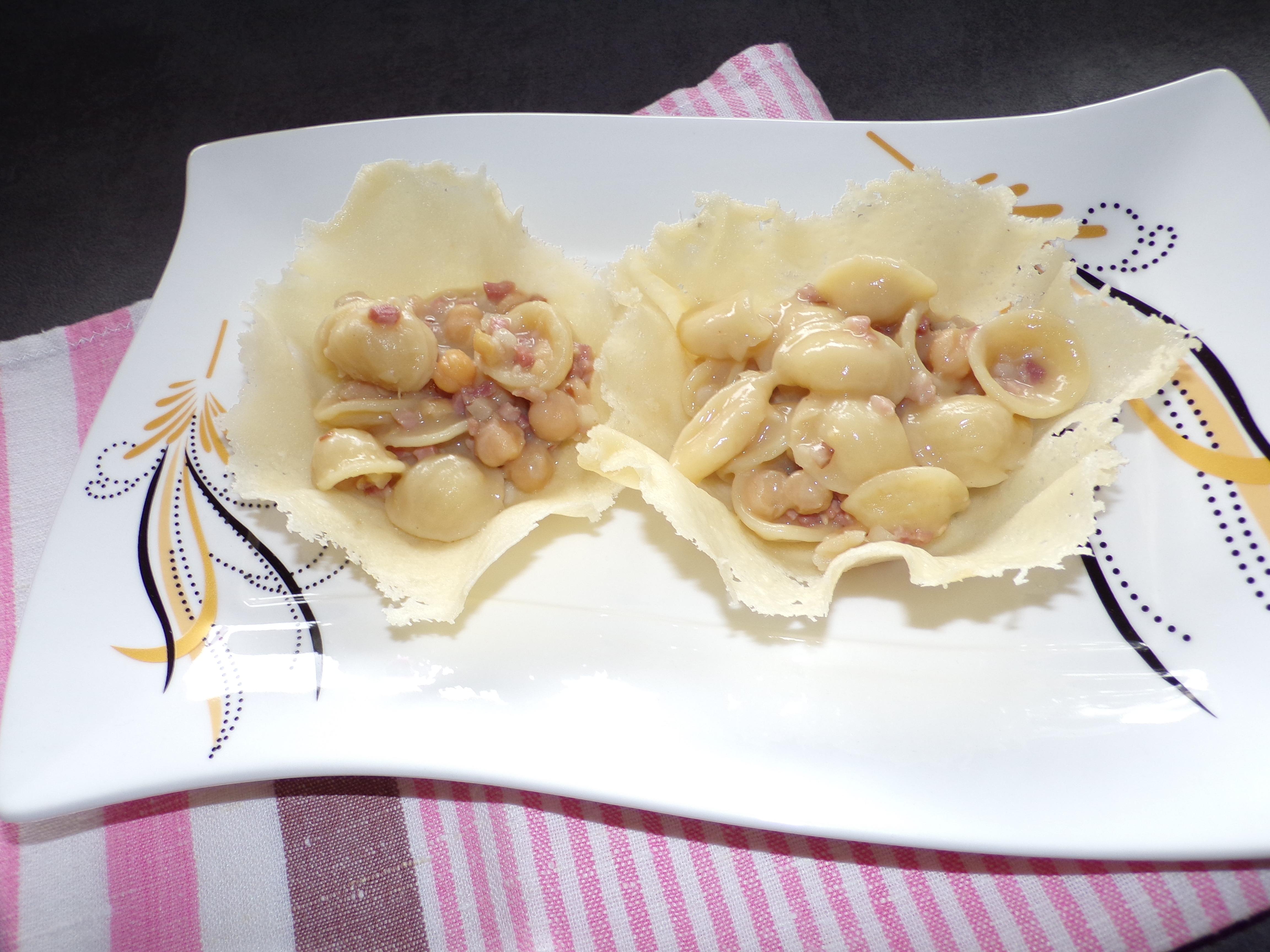 Orecchiette con ceci e pancetta