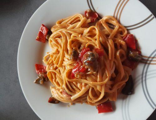 Linguine con crema di peperoni e melanzane