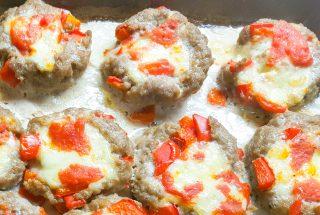 Polpette con peperoni e mozzarella