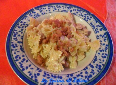 Farfalle panna e salsiccia ricetta primo piatto