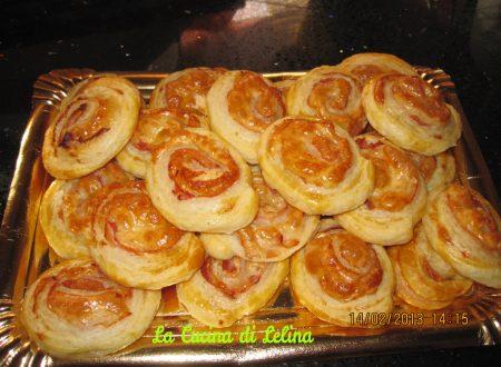 Girelle di pasta sfoglia ricetta sfiziosa