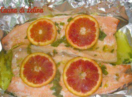 Trota salmonata al cartoccio ricetta veloce