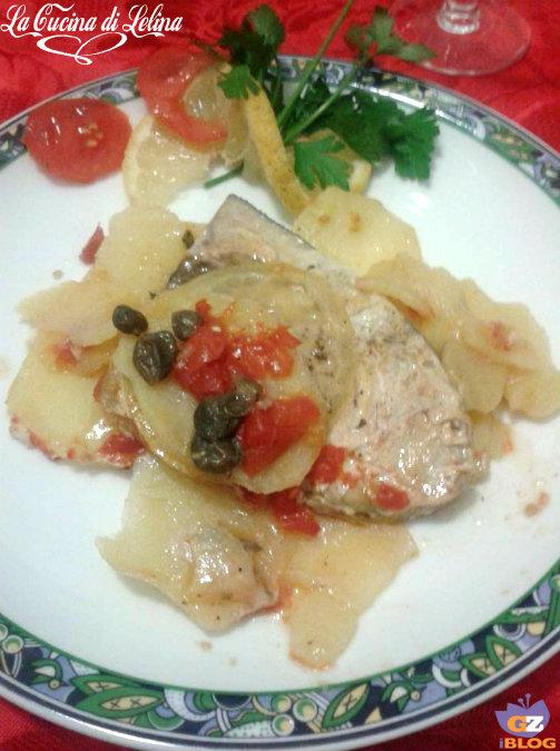 Pescespada al cartoccio su letto di patate
