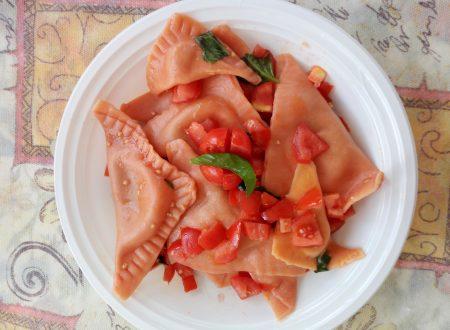 Triangoli rossi con melanzane e fiordilatte