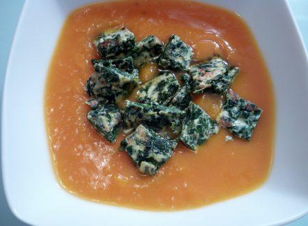 Vellutata di zucca al latte di cocco con gnocchi di spinaci e ricotta