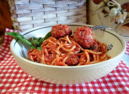 Spaghetti e polpette vegetariane