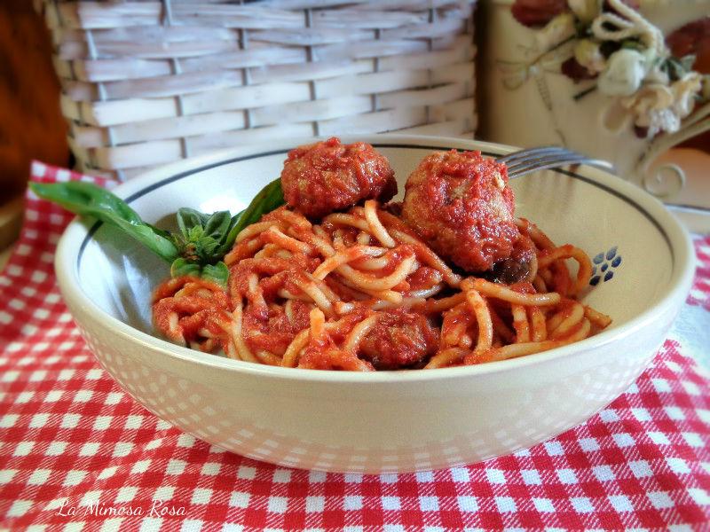 Spaghetti e polpette vegetariane ricetta