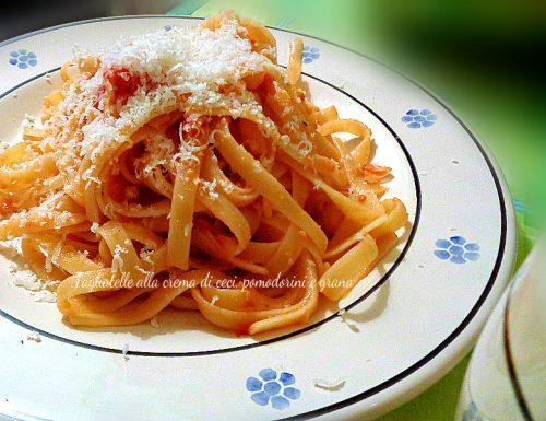 Tagliatelle alla crema di ceci, pomodorini e grana