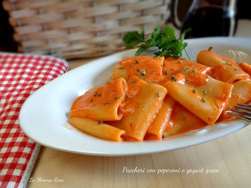 Ben noto Paccheri con peperoni e yogurt greco | La mimosa rosa XK76