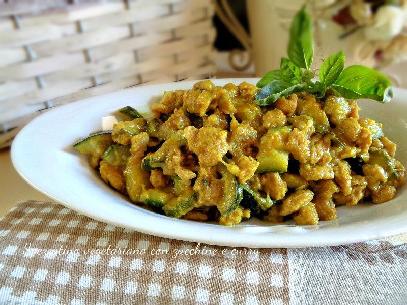 Spezzatino di soia con zucchine e curry