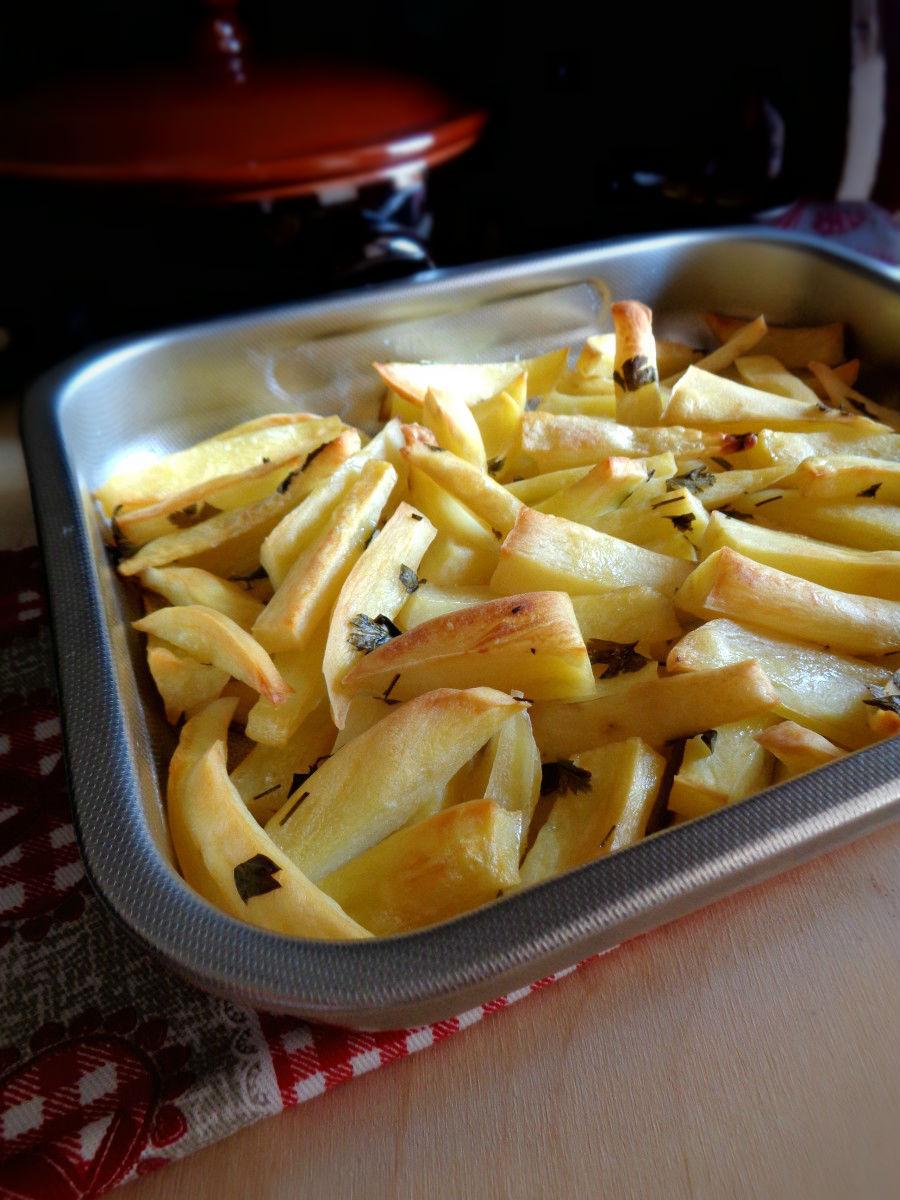 Patate al forno con aglio e prezzemolo ricetta