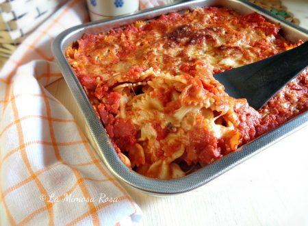 Farfalle al forno gusto pizza