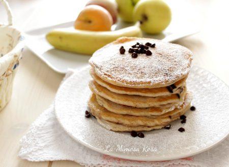 Pancake senza uova e lattosio, con gocce di cioccolato