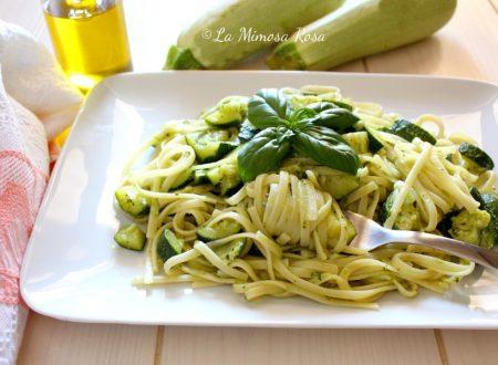 Linguine al pesto e zucchine