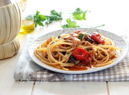 Spaghetti alla puttanesca con pesce spada