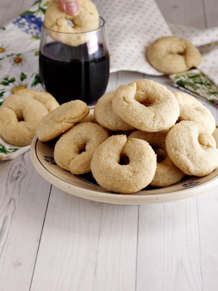 Biscotti al vino deliziosi ricetta
